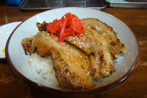 100908-007豚丼(縮小)