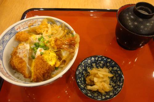 100919-104海老ひれかつ丼(縮小)