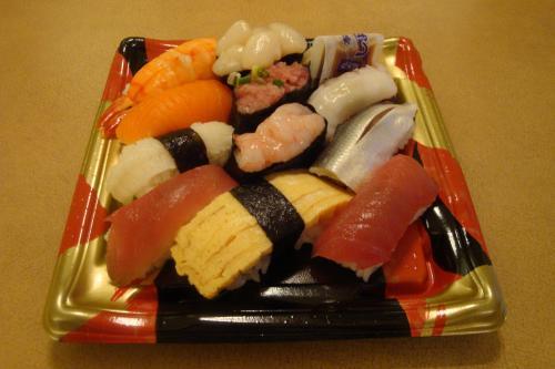 100921-007寿司(縮小)