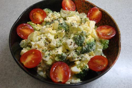 100923-030ブロッコリーと玉子のサラダ(縮小)