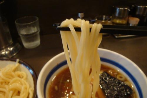 101013-006麺上げ(縮小)