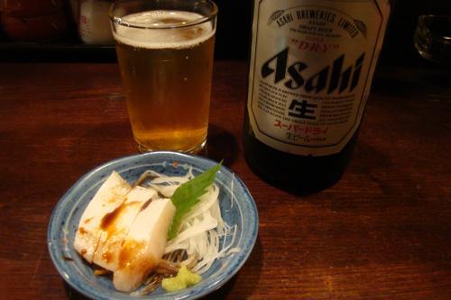 101021-008お通しとビール(縮小)