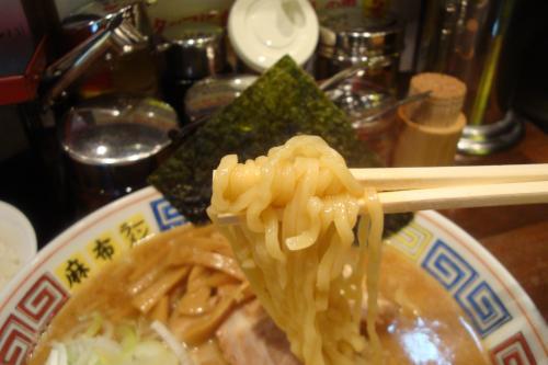 101110-005麺上げ(縮小)