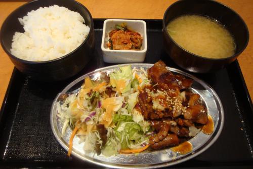 101119-105ホルモン定食(縮小)