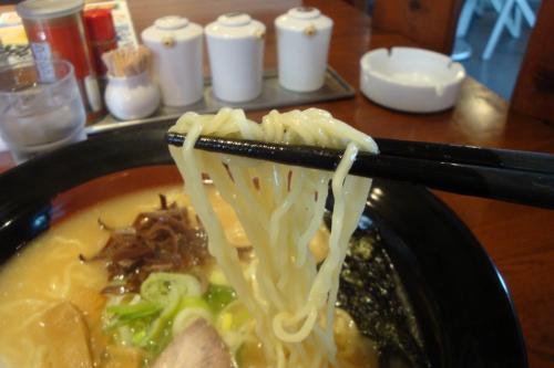 101123-105麺上げ(縮小)