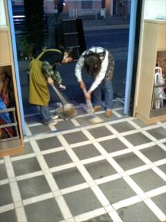 大掃除玄関.jpg
