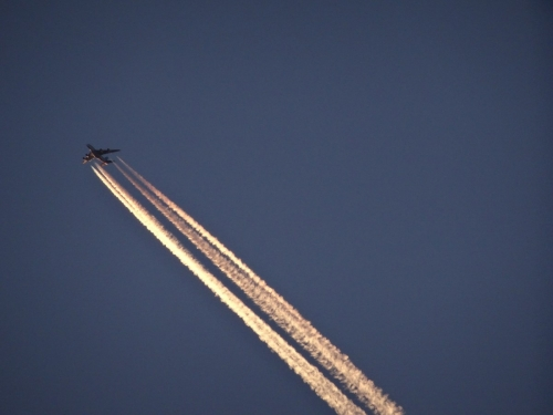 14飛行機雲 (1200x900)