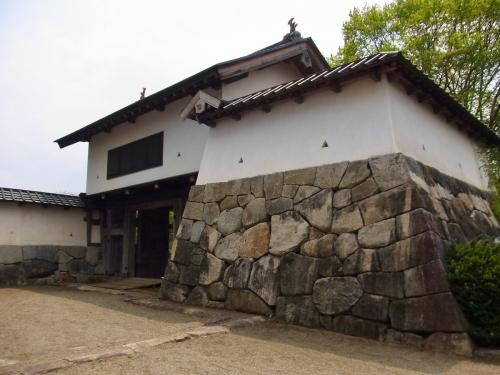 4花巻城本丸西御門 (1200x900)
