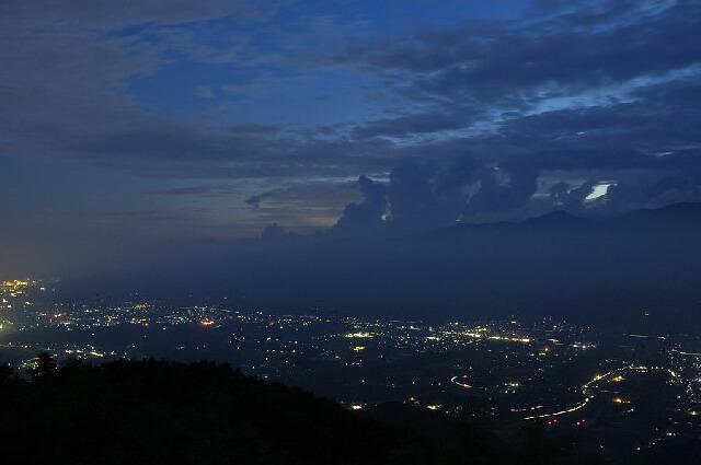 陣馬山形-夜景