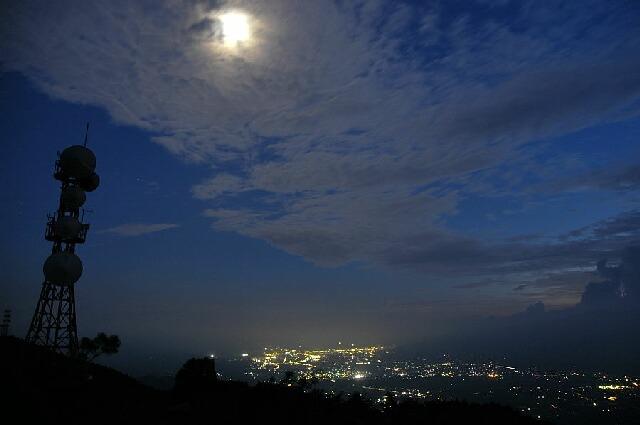 陣馬形山夜景