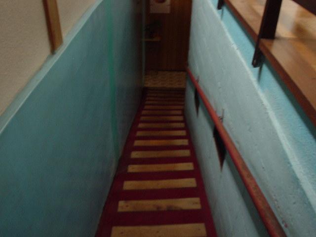 この階段を下るアプローチがいいんだなぁ~