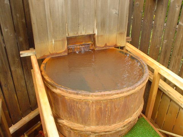 おぉ~樽風呂じゃぁ~♪