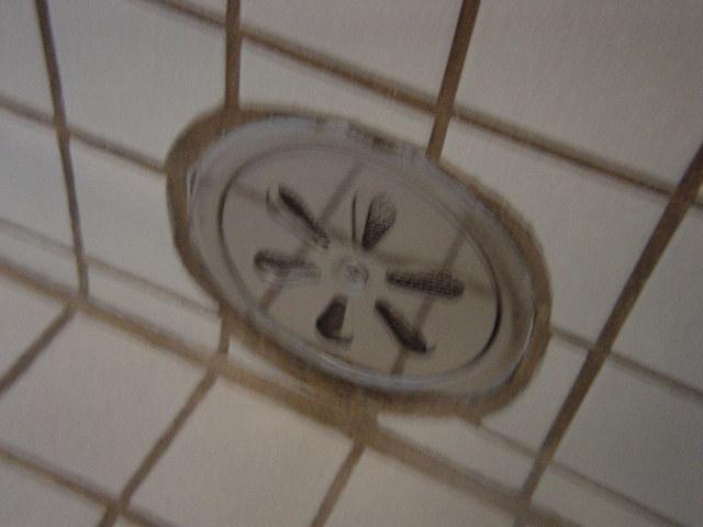 熱湯浴槽の湯口は浴槽下側から!ほんと熱いです