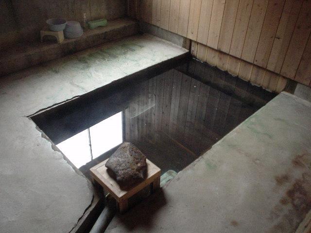 唐子の湯浴槽
