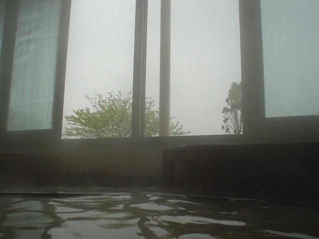 窓を開ければ心地よい風が入ります
