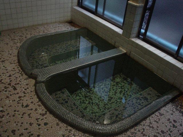 地下にある素敵な浴室!