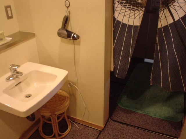 洗面所脱衣所トイレ・・・全て一体型???