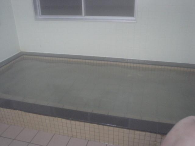 シンプルな長方形浴槽