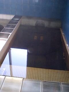 こちらも凄い水風呂(寝湯式)