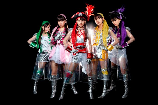 news_large_momoirocloverZ_art_201201.jpg