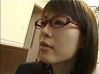 【無修正】メガネの美人教師が引きこもりの生徒に中出し訪問