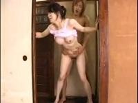 あそこにド━━━ m9(゚∀゚) ━━━━ン!!!:夫の連れ子に犯される中出しされる義母