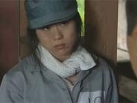 人妻熟女動画:手錠解錠や食料を交換条件に男達にヤラせまくる脱走した女囚人達