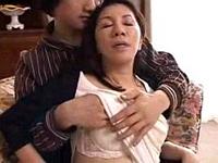 エロ備忘録:愛する我が子に抱かれて夢見心地な完熟母♪原島みどり