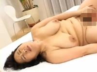 本日の人妻熟女動画:【素人】若い人って素敵!贅肉を揺らしてハメられちゃう熟女♪
