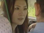 ギリギリ熟女 : 【ヘンリー塚本】「あなたとしたいの」そう言ってタクシー運転手を誘惑する人妻