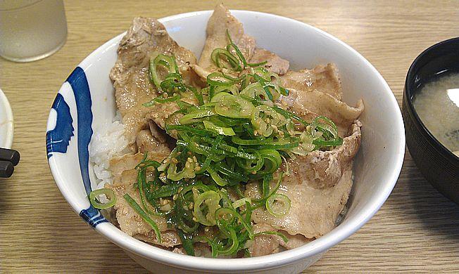 ネギ塩豚カルビ丼