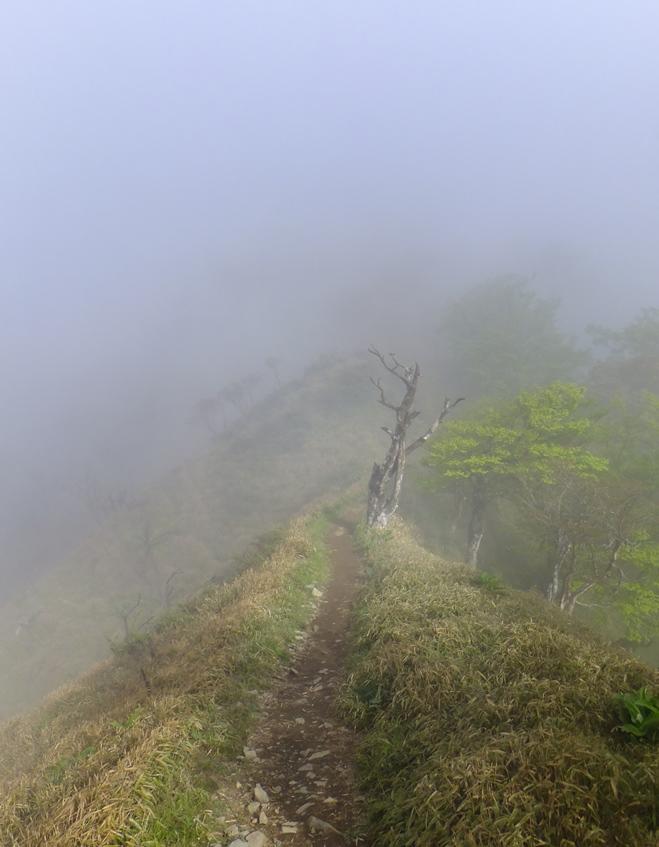 9-稜線蛭へ01