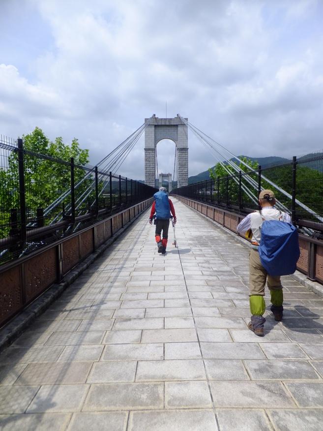 24-風のつり橋
