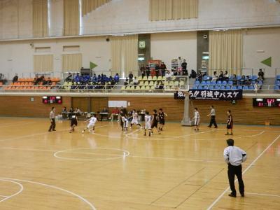 H24 中学春季バスケ地区予選 012