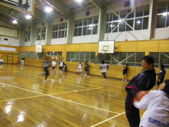 練習バスケ 002