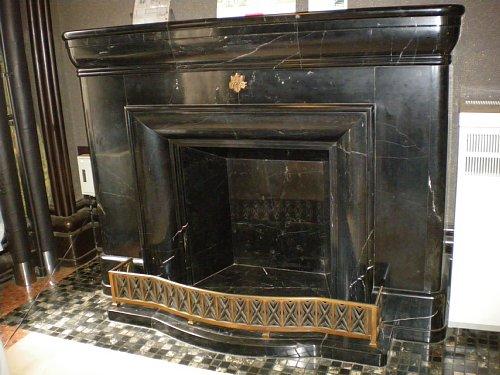 神奈川県庁舎・貴賓室暖炉