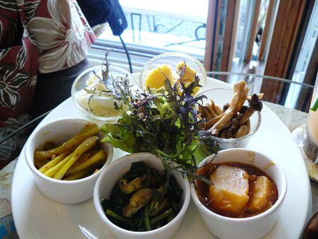 鎌倉野菜のプレートランチ