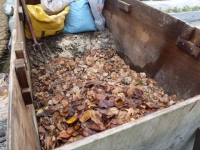 落ち葉堆肥2