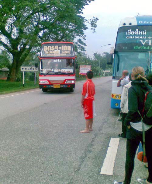 2--Bus 03