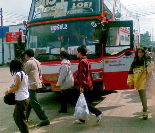 2--Bus 04