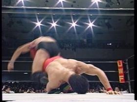 高田はこれを返すと、