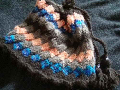 帽子 ドミノ編み アルパカ、染羊毛