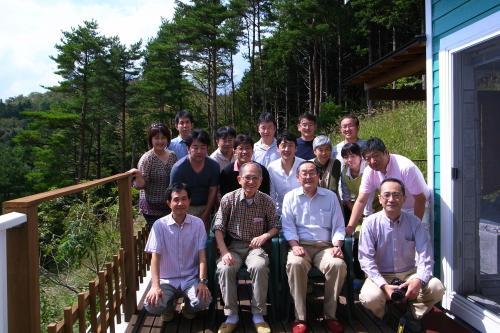 下野先生、眞坂先生を囲んで