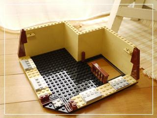 LEGOCafeCorner04.jpg