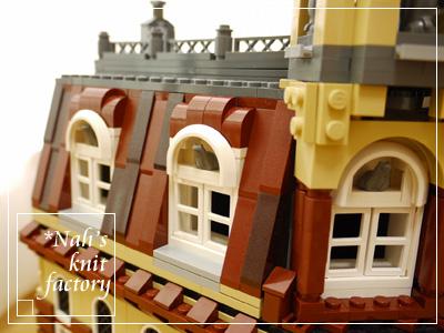 LEGOCafeCorner15.jpg