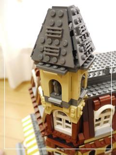 LEGOCafeCorner16.jpg