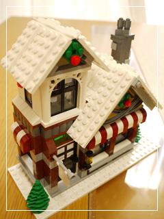 LEGOChristmasSet18.jpg