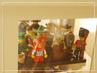 LEGOMinifigSeries00-04.jpg