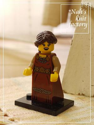 LEGOMinifigSeries07-04.jpg