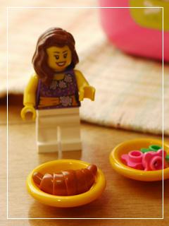 LEGOPinkBrickBox10.jpg